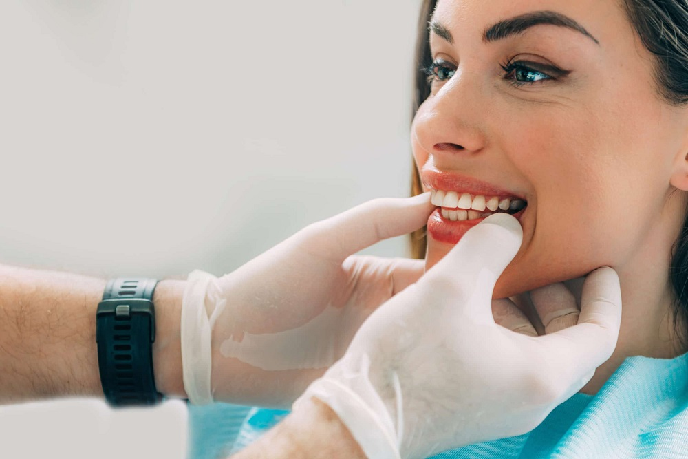 Why Should You Visit Your Cosmetic Dentist Regularly?