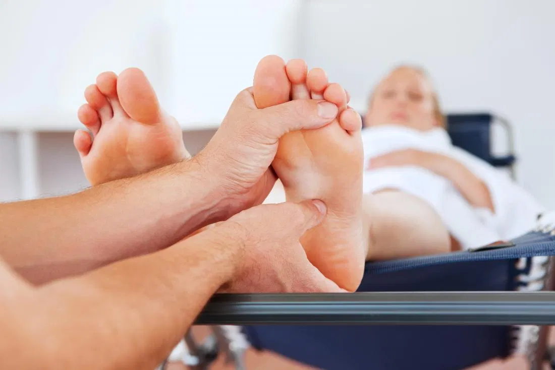 How To Perform Foot Massage Singapore Techniques